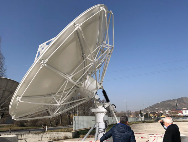 Can you tell the difference between different parabolic antennas?